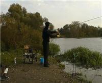 Видео «Рыбалка с Пашком» — Фидер на Пахре