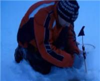 Видео «Болен рыбалкой» — Зимняя ловля на жерлицы