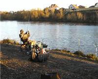 Видео «Рыбалка с Пашком» — Осенью на Москва реке