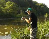Видео «Рыбалка с Пашком» — Фидер на малой реке. Прикормка. 100 поклевок. Часть 1