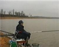 Видео «Фильмы Сергея Середы» — Рыбалка на Рузе. Часть 1