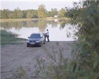 Видео «Siandien Kimba» — Ловля судака на реке
