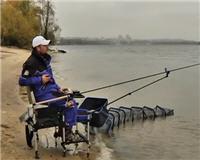 Видео «Флагман» — Ловля фидером поздней осенью на реке Днепр. Эксперименты с прикормкой FLAGMAN. Часть 2