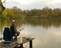 Видео «Клуб рыбаков» — Успешная ловля весеннего карася на поплавочную удочку