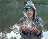 Видео «Рыбалка с Пашком» — Карп на фидер