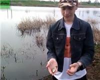 Видео «Клёвая рыбалка» — Апрельские карасики