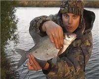 Видео «Рыбалка с Пашком» — Осень 2014. Фидер. Нижняя Москва-река