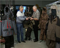 Видео «Секреты рыболовства» —  Зимняя одежда для рыболова