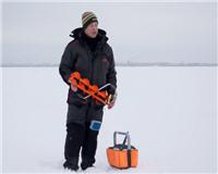 Видео «Мужская компания» — Зима. Ловля плотвы