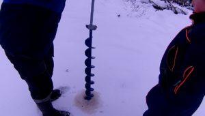 Как добыть ручейника зимой - Болен рыбалкой