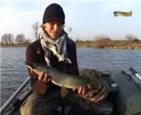 Видео «Клёвое место» — Рязанская область, Ока, протока Шелище